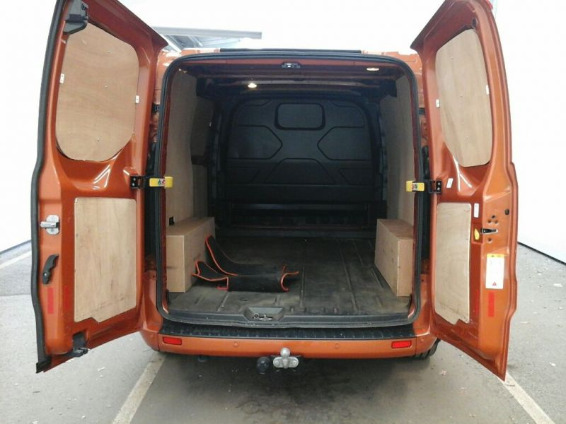FORD TRANSIT CUSTOM 280 TDCI 130 L1 H1 LIMITED SWB LOW ROOF FWD - 9411 - 4