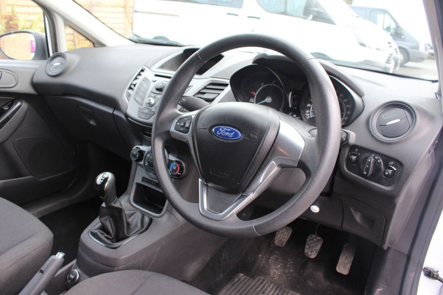 FORD FIESTA BASE 1.5 TDCI 74 - 7301 - 12