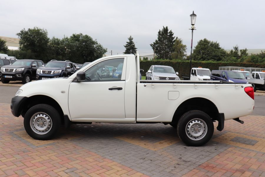 MITSUBISHI L200 DI-D 134 4X4 4LIFE SINGLE CAB - 9556 - 8