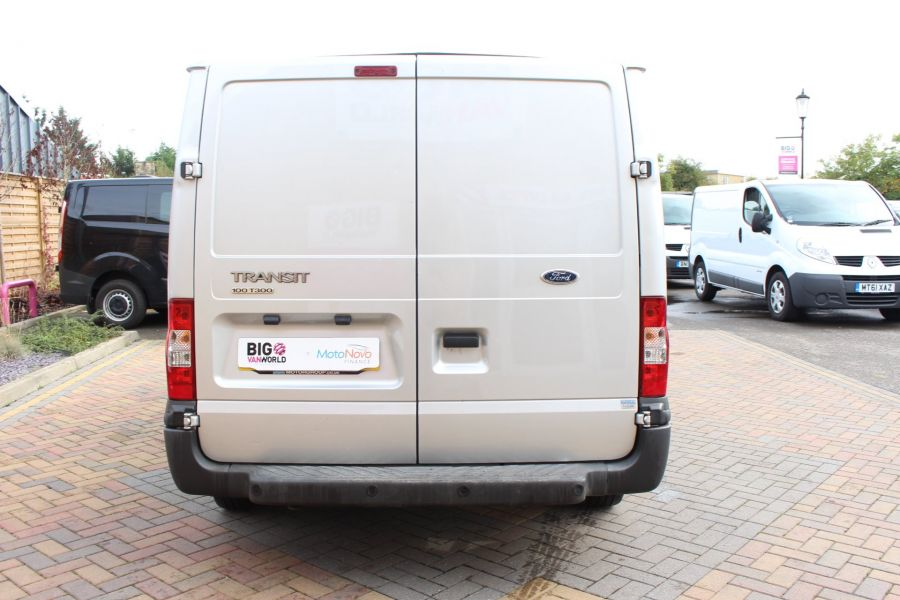 FORD TRANSIT 300 TDCI 100 SWB LOW ROOF FWD - 6733 - 6