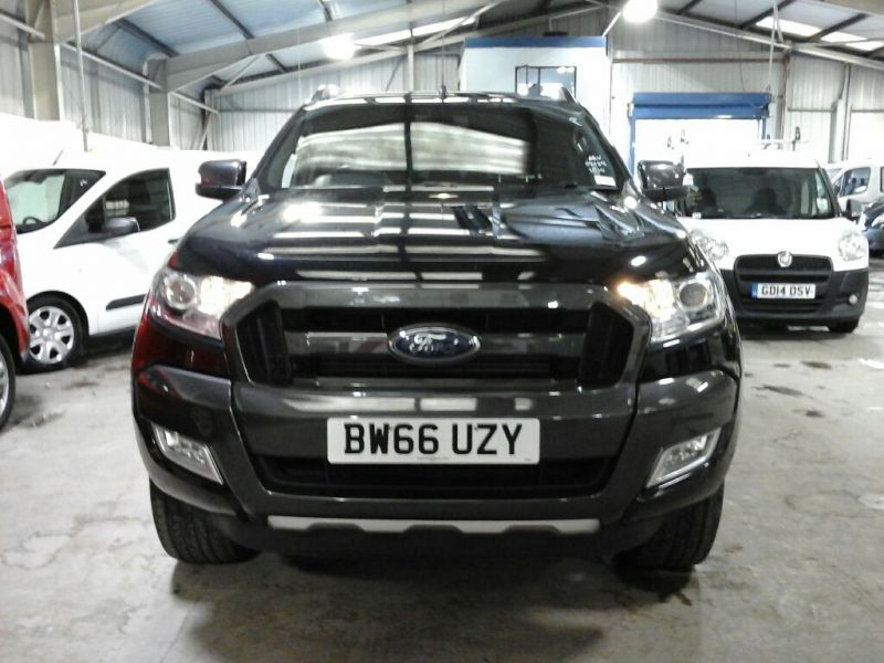 FORD RANGER WILDTRAK TDCI 200 4X4 DOUBLE CAB WITH ROLL'N'LOCK TOP - 10104 - 3