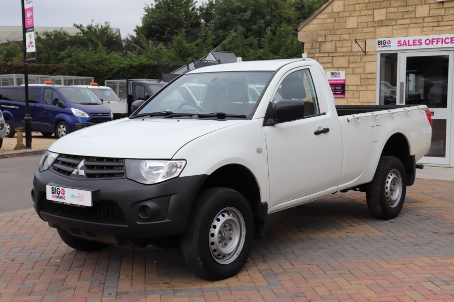 MITSUBISHI L200 DI-D 134 4X4 4LIFE SINGLE CAB - 9556 - 9