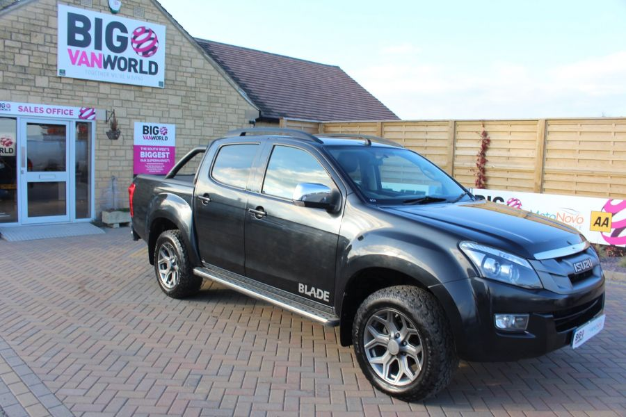 ISUZU D-MAX TD BLADE DOUBLE CAB 4X4 WITH ROLL AND LOCK TOP - 7242 - 2
