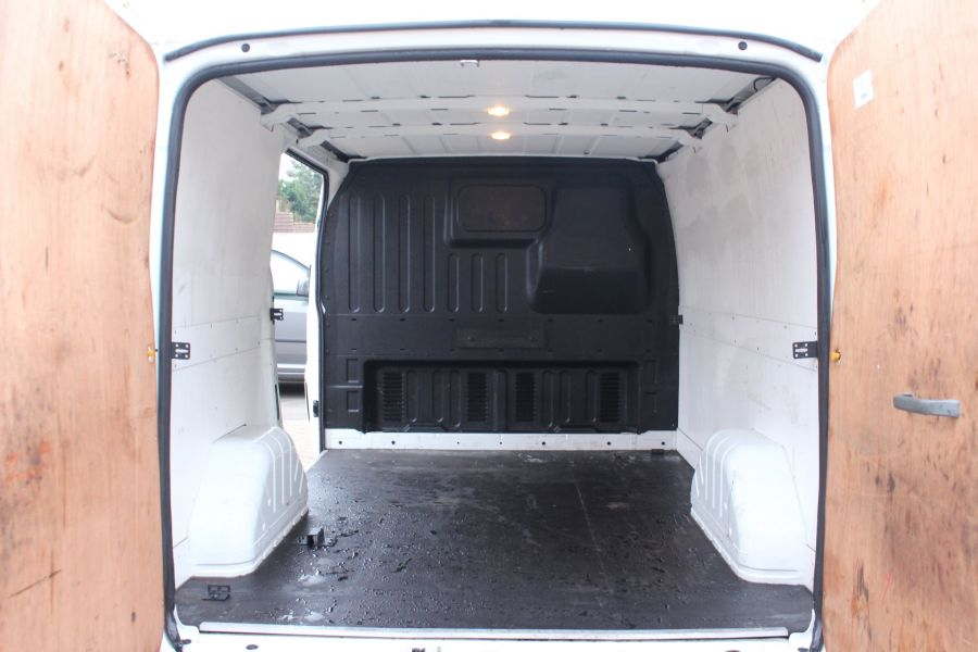 FORD TRANSIT 300 TDCI 100 SWB LOW ROOF FWD - 6939 - 20