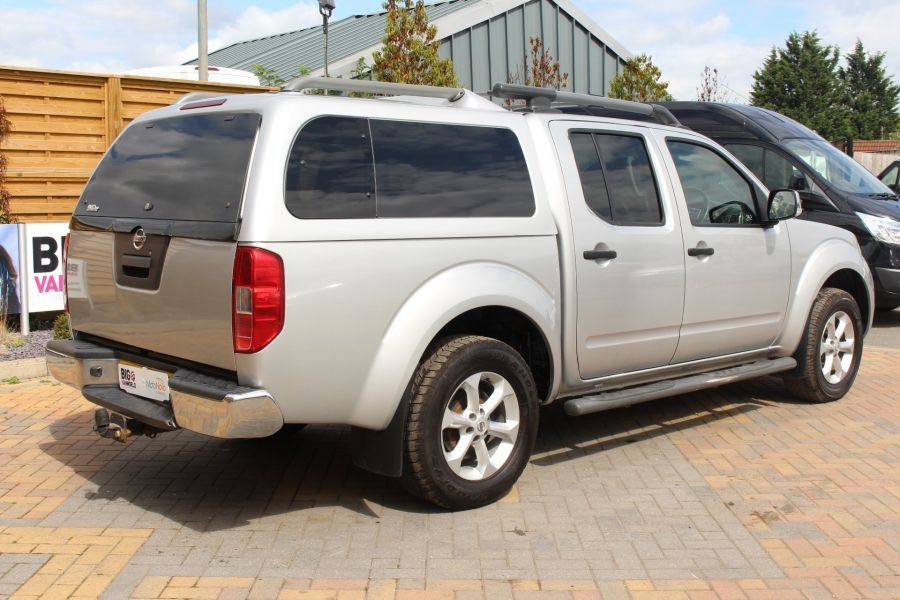 NISSAN NAVARA DCI 190 TEKNA CONNECT 4X4 DOUBLE CAB AUTO WITH TRUCKMAN TOP - 5975 - 5
