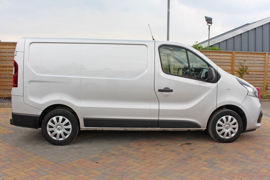 RENAULT TRAFIC SL27 DCI 120 BUSINESS PLUS ENERGY SWB LOW ROOF - 9258 - 4