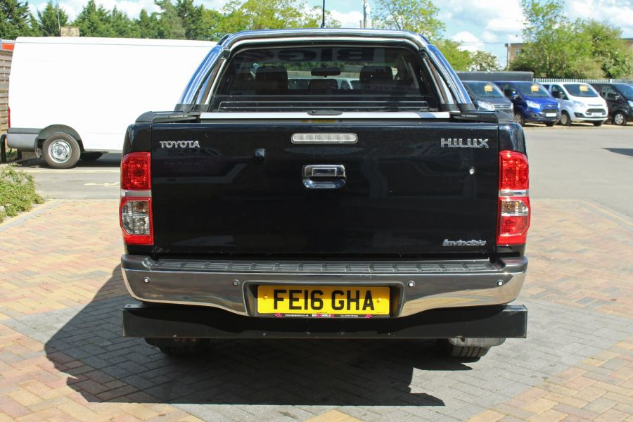 TOYOTA HI-LUX INVINCIBLE X 4X4 D-4D 171 DOUBLE CAB WITH ROLL'N'LOCK TOP - 9257 - 6