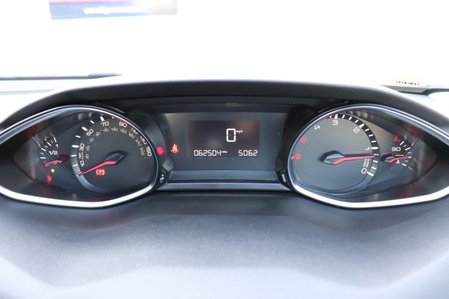 PEUGEOT 308 1.6 BLUE HDI 100 S/S ACTIVE - 9770 - 23