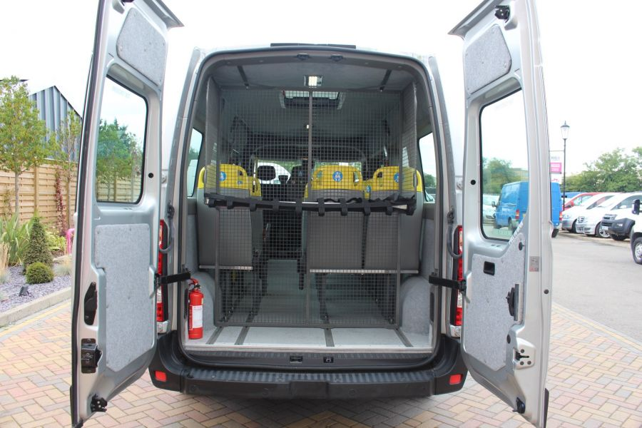 NISSAN NV400 F35 DCI 125 L3 H2 SE LWB MEDIUM ROOF 13 SEAT BUS - 6485 - 31