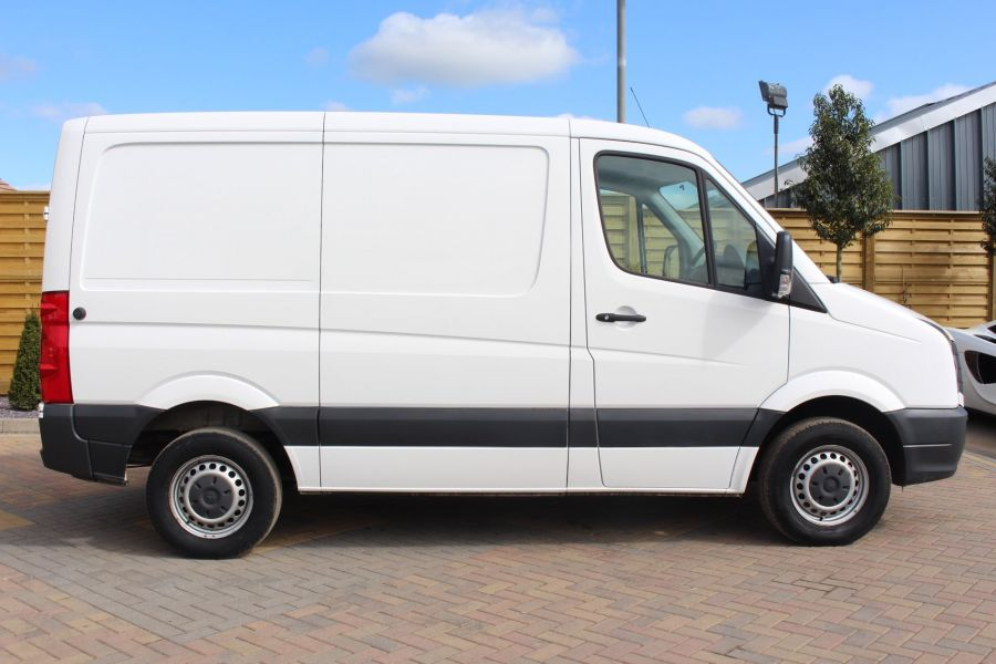 VOLKSWAGEN CRAFTER CR30 TDI 109 BHP SWB LOW ROOF - 6069 - 2