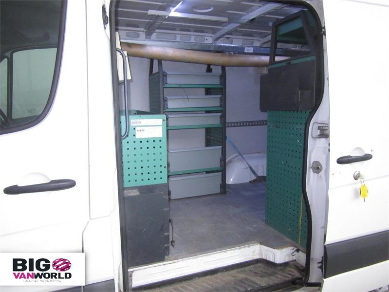 VOLKSWAGEN CRAFTER CR30 TDI 109 SWB LOW ROOF - 7354 - 13