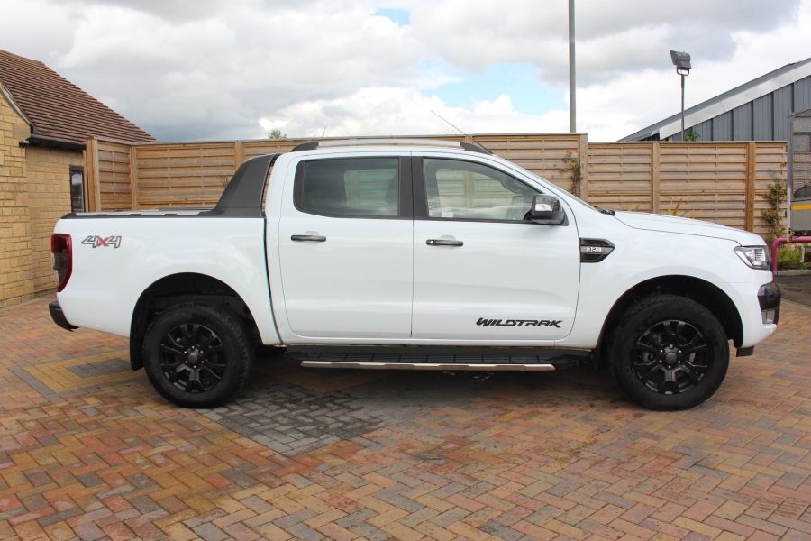 FORD RANGER WILDTRAK TDCI 200 4X4 DOUBLE CAB WITH ROLL'N'LOCK TOP - 9156 - 4