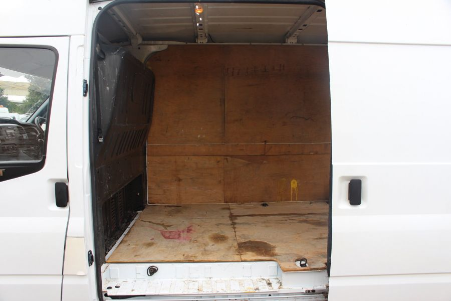 FORD TRANSIT 350 TDCI 115 LWB MEDIUM ROOF RWD - 8295 - 16