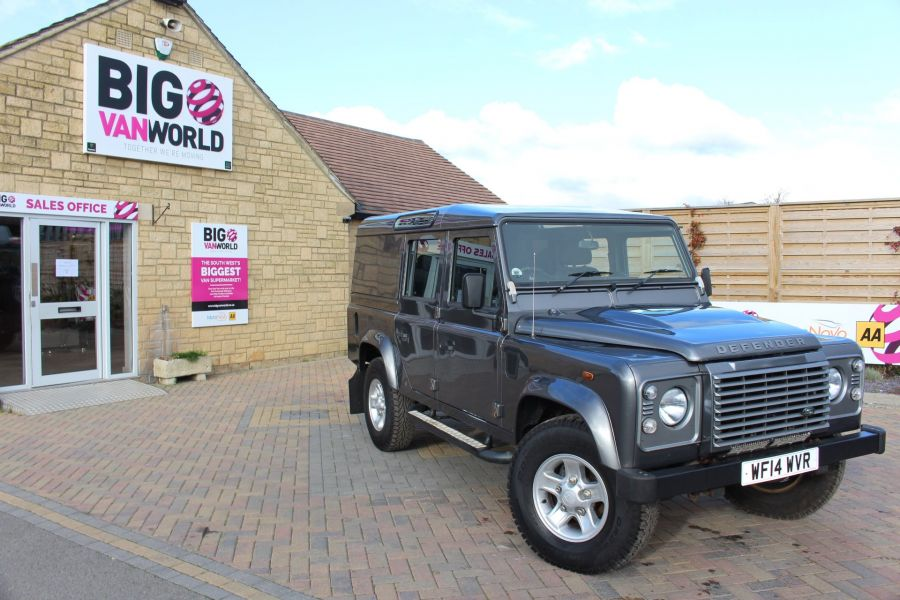 LAND ROVER DEFENDER 110 TD XS UTILITY WAGON 5 SEAT DOUBLE CAB - 8382 - 2