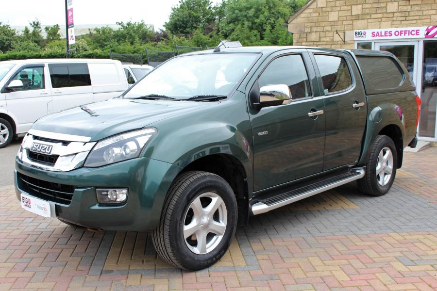ISUZU D-MAX TD 163 YUKON VISION DOUBLE CAB WITH TRUCKMAN TOP - 9450 - 9