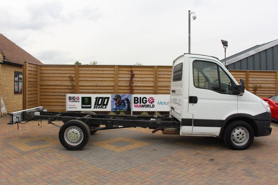 IVECO DAILY 35S11 SINGLE CAB CHASSIS CAB 3750 WB - 7590 - 4