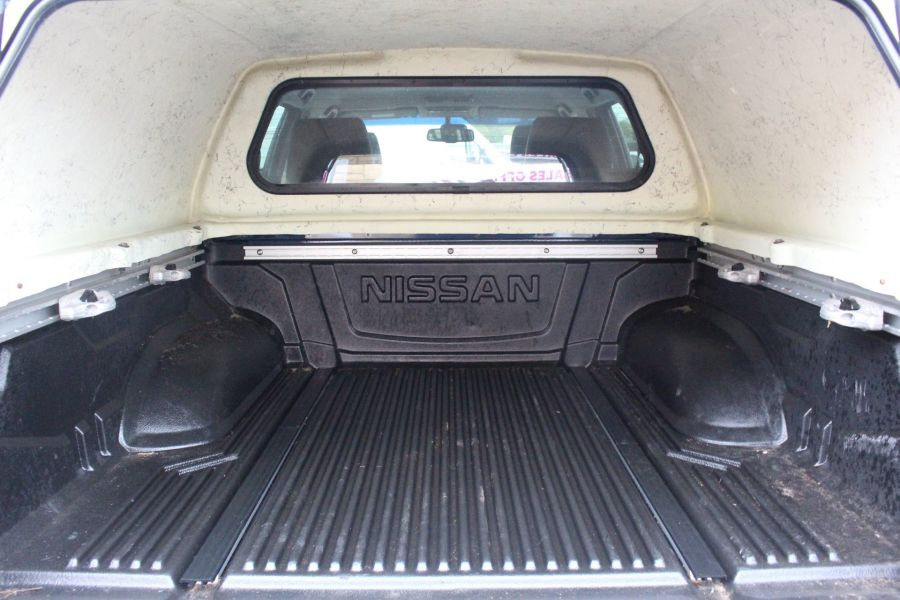 NISSAN NAVARA DCI 190 TEKNA CONNECT 4X4 DOUBLE CAB WITH TRUCKMAN TOP - 6786 - 25