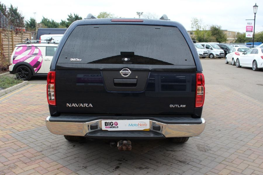 NISSAN NAVARA OUTLAW V6 DCI 231 4X4 DOUBLE CAB WITH TRUCKMAN TOP - 6769 - 6