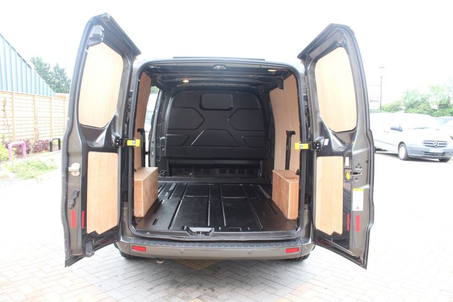 FORD TRANSIT CUSTOM 270 TDCI 125 L1 H1 LIMITED SWB LOW ROOF FWD - 7818 - 22