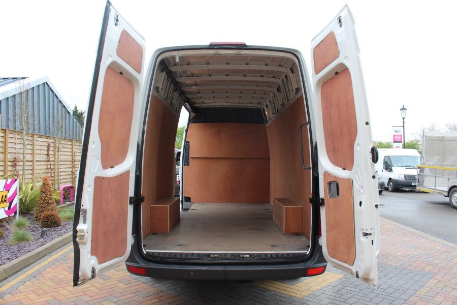 VOLKSWAGEN CRAFTER CR35 TDI 136 LWB HIGH ROOF - 7633 - 19