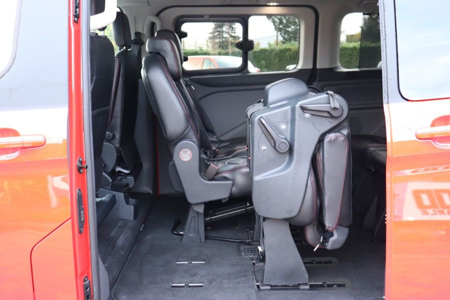 FORD TOURNEO CUSTOM TDCI 130 L2H1 TITANIUM X MOTION R 8 SEAT BUS - 10188 - 37