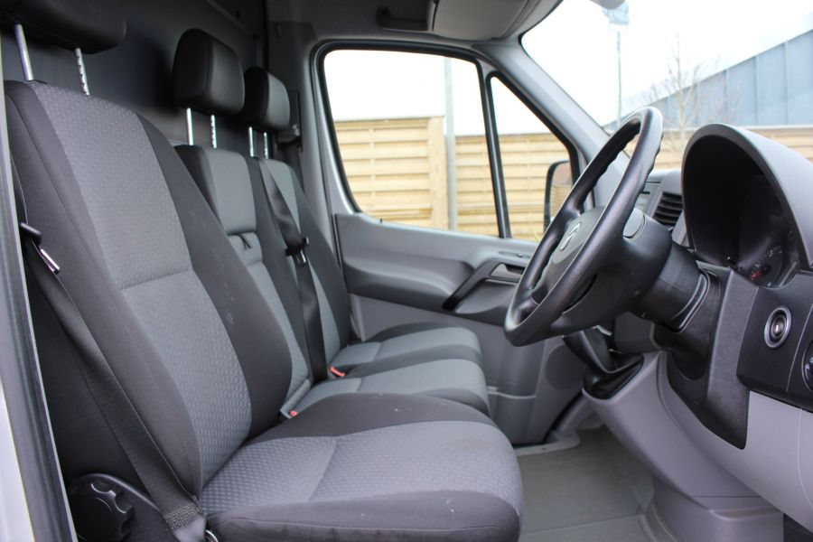 VOLKSWAGEN CRAFTER CR35 TDI 143 LWB HIGH ROOF - 7581 - 11