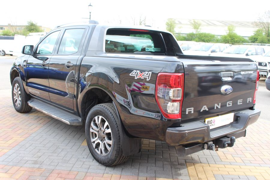FORD RANGER WILDTRAK TDCI 197 4X4 DOUBLE CAB WITH ROLL'N'LOCK TOP - 7635 - 7