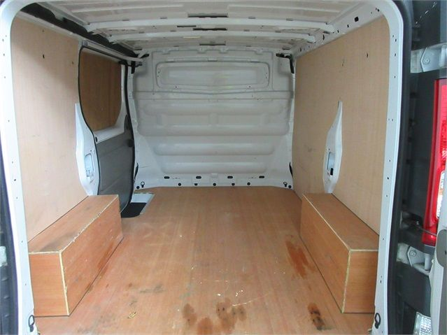 RENAULT TRAFIC SL27 DCI 115 ECO2 SWB LOW ROOF - 6914 - 15
