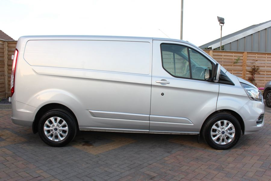 FORD TRANSIT CUSTOM 300 TDCI 130 LIMITED L1 H1 SWB LOW ROOF - 8636 - 4