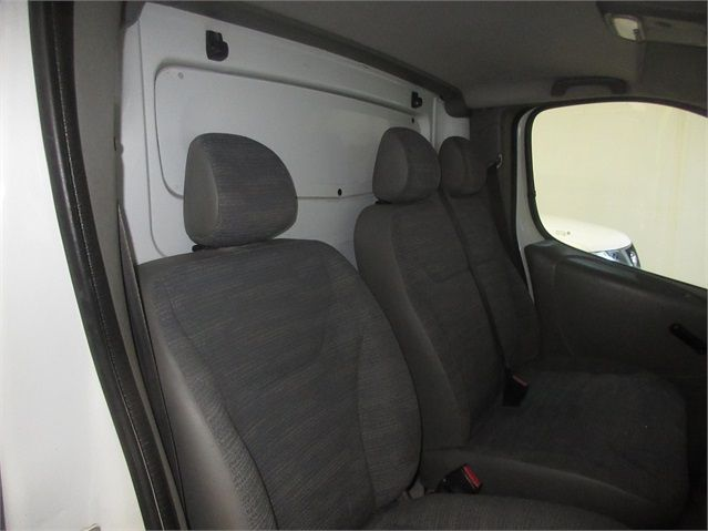 RENAULT TRAFIC LH29 DCI 115 LWB HIGH ROOF - 7435 - 10