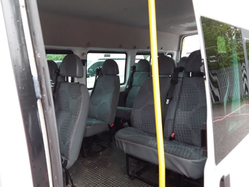 FORD TRANSIT 430 TDCI 135 EL LWB 17 SEAT BUS MEDIUM ROOF DRW RWD - 9424 - 4