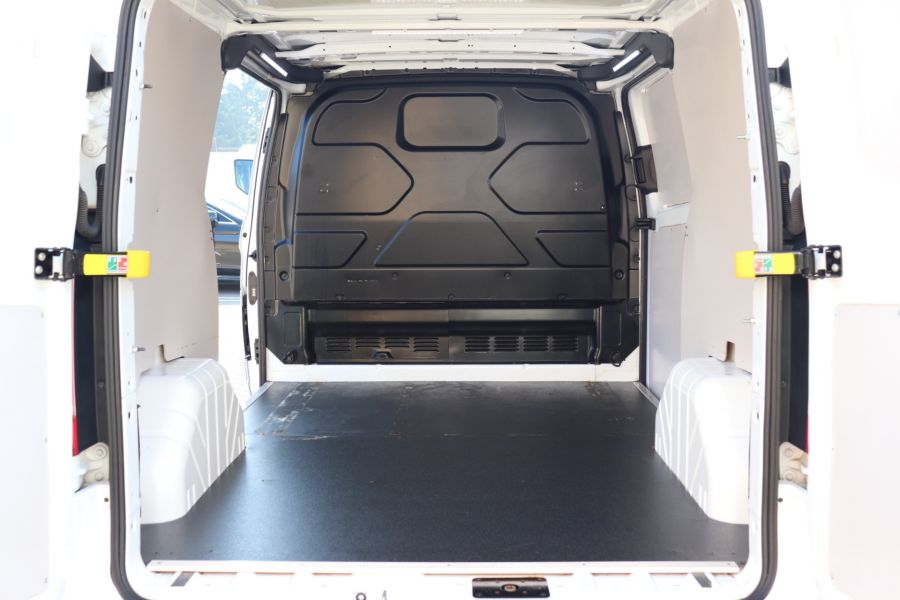 FORD TRANSIT CUSTOM 340 TDCI 130 L1H1 LIMITED SWB LOW ROOF FWD - 10566 - 41