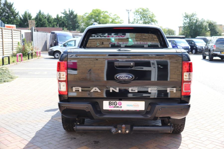 FORD RANGER WILDTRAK TDCI 200 4X4 DOUBLE CAB WITH ROLL'N'LOCK TOP - 9851 - 6