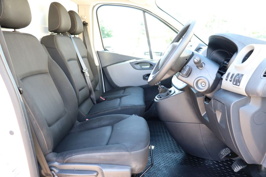 RENAULT TRAFIC LL29 DCI 115 BUSINESS LWB LOW ROOF - 9391 - 15