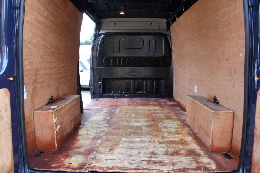 FORD TRANSIT 350 TDCI 140 LWB MEDIUM ROOF FWD - 7056 - 18