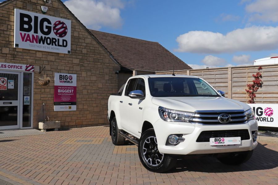 TOYOTA HI-LUX D-4D 150 INVINCIBLE X 4WD DOUBLE CAB WITH ROLL'N'LOCK TOP - 12270 - 5