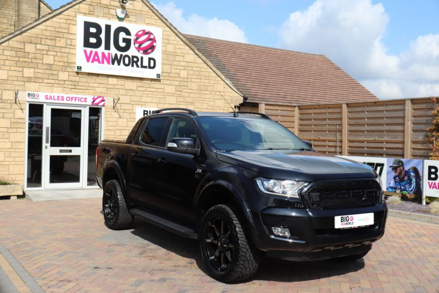 FORD RANGER WILDTRAK TDCI 200 4X4 DOUBLE CAB WITH ROLL'N'LOCK TOP - 9851 - 2