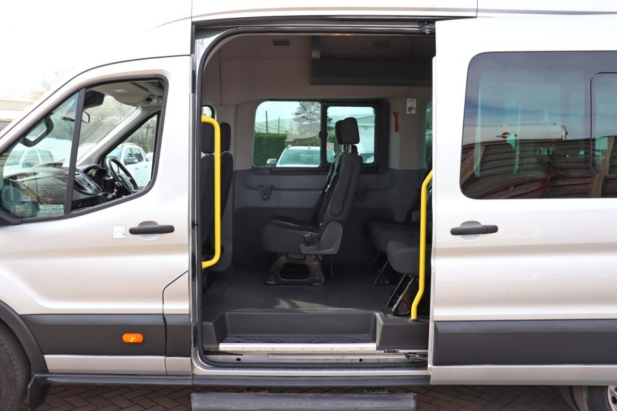 FORD TRANSIT 460 TDCI 155 L4H3 TREND 17 SEAT BUS HIGH ROOF DRW RWD - 10415 - 33