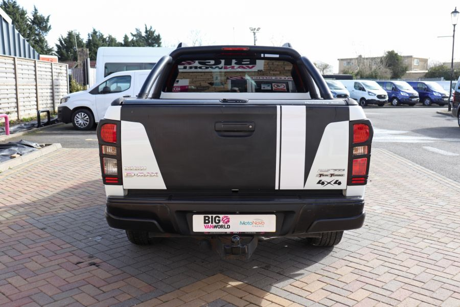 ISUZU D-MAX TD 164 TWIN TURBO BLADE DOUBLE CAB WITH ROLL'N'LOCK TOP  (14049) - 12327 - 9