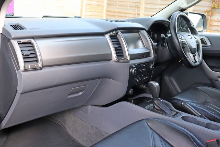 FORD RANGER TDCI 200 LIMITED EDITION 4X4 M-SPORT DOUBLE CAB WITH ROLL 'N' LOCK TOP - 9615 - 35