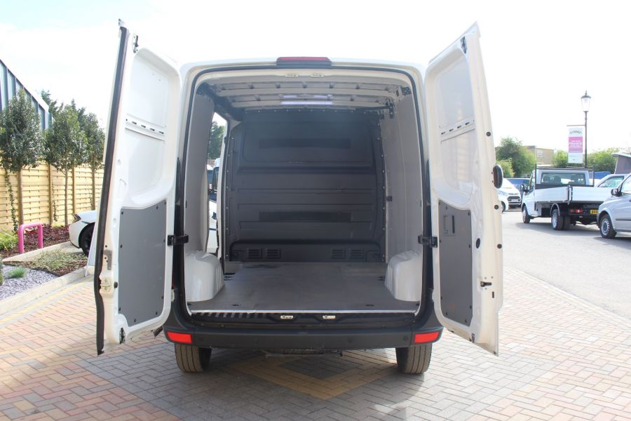 VOLKSWAGEN CRAFTER CR30 TDI 109 BHP SWB LOW ROOF - 6069 - 17