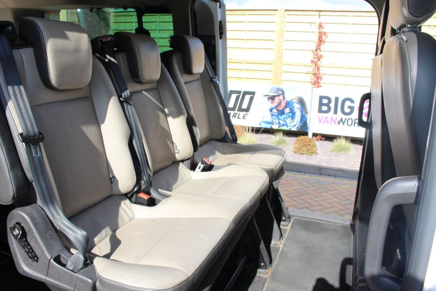 FORD TOURNEO CUSTOM 300 TDCI 125 L2 H1 LIMITED 9 SEAT MINIBUS SWB LOW ROOF FWD - 7215 - 23