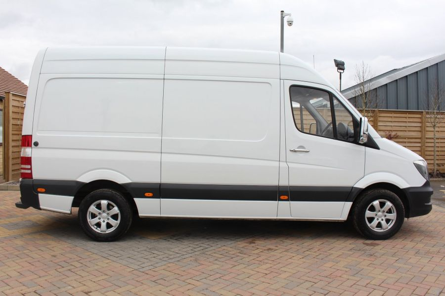MERCEDES SPRINTER 313 CDI MWB HIGH ROOF - 7486 - 4