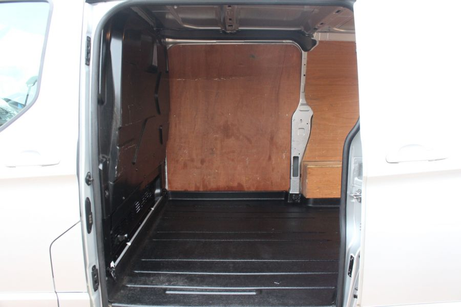 FORD TRANSIT CUSTOM 270 TDCI 125 L1 H1 LIMITED SWB LOW ROOF FWD - 7142 - 14