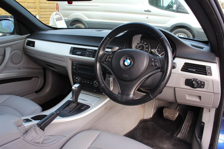 BMW 3 SERIES 330D SE AUTO CONVERTIBLE - 6042 - 19