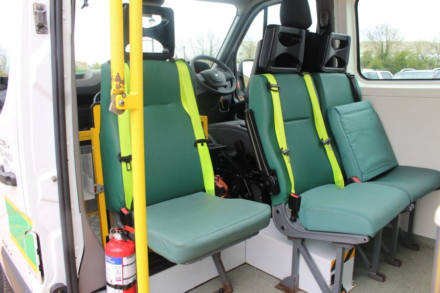 RENAULT TRUCKS MASTER LM35 DCI 100 L3 H2 9 SEAT PASSENGER TRANSPORT BUS AMBULANCE WITH WEELCHAIR ACCESS LWB MEDIUM ROOF - 9139 - 19