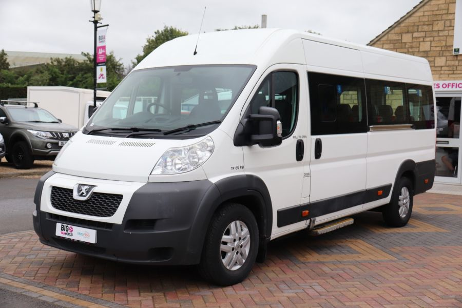 PEUGEOT BOXER 440 HDI 130 L4H2 17 SEAT BUS HIGH ROOF WITH WHEELCHAIR ACCESS - 9625 - 9
