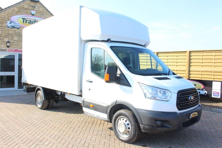FORD TRANSIT 350 TDCI 125 DRW L4 LUTON WITH TAIL LIFT - 5940 - 1