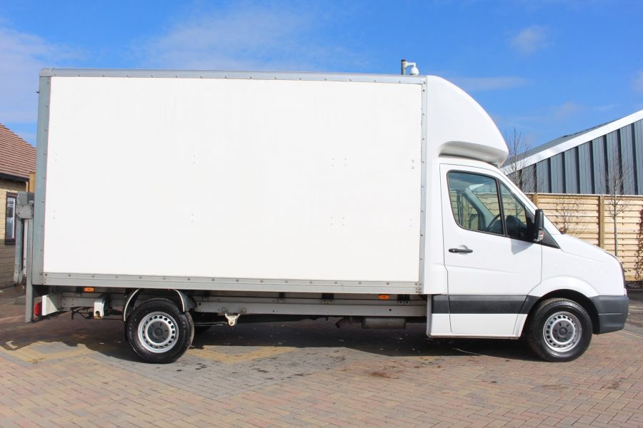 VOLKSWAGEN CRAFTER CR35 TDI 109LUTON WITH TAIL LIFT - 7362 - 3
