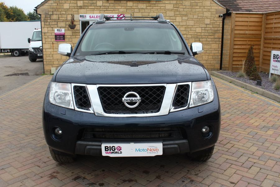 NISSAN NAVARA OUTLAW V6 DCI 231 4X4 DOUBLE CAB WITH TRUCKMAN TOP - 6769 - 9